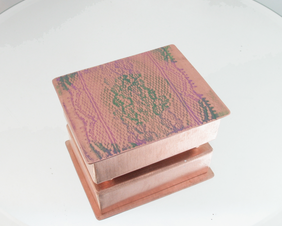 Heirloom Copper Etui w/Lavender Lace