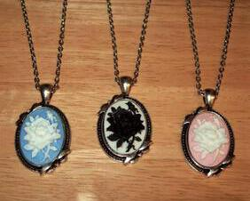 Victorian Rose Cameo Pendant Necklace with Vintage Style Antique Silver Setting