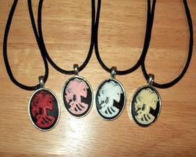Lolita Skull Cameo Pendant Necklace, Silver Pendant Tray