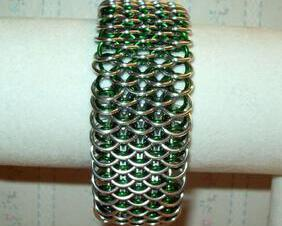 Chainmaille Dragonscale Bracelet, Silver and Green